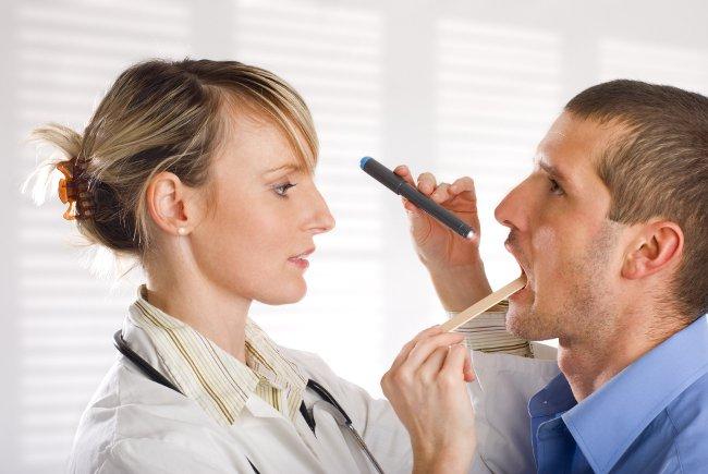 Как быстро вылечить больное горло