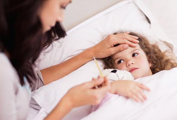 Высокая температура у ребенка, чем сбить